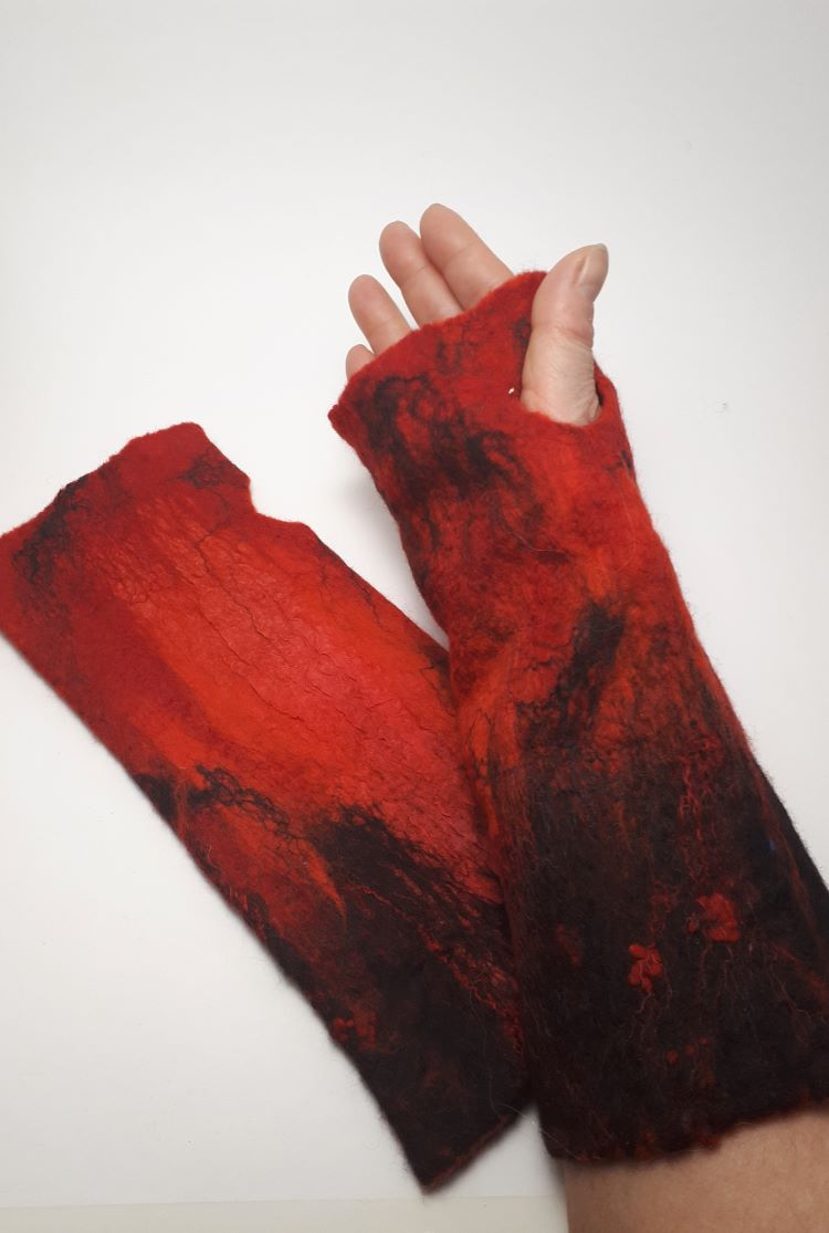 piros nemez gyapjú kesztyű