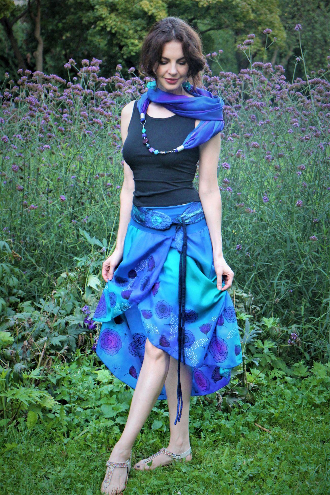 100% hernyóselyem szoknya kék rózsákkal