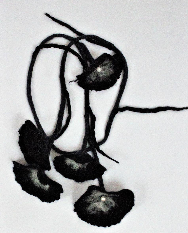 nemez virág fekete