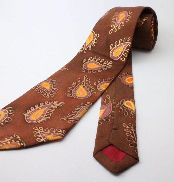 elegáns hernyóselyem nyakkendő