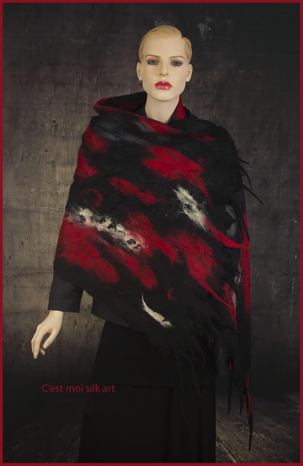 nemezelt nagy stóla piros és fekete 01