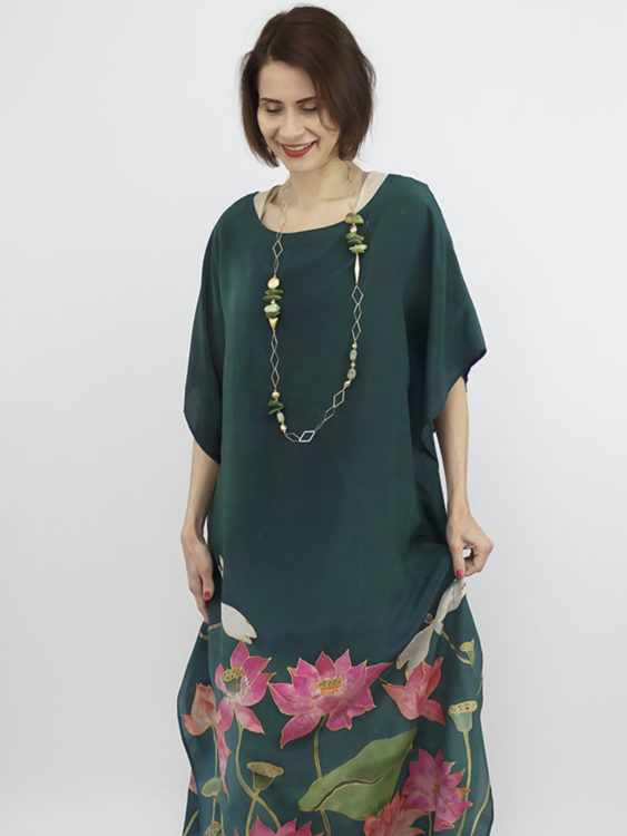 selyem crepe de chine kézzel festett ruha zöld lótuszokkal 004