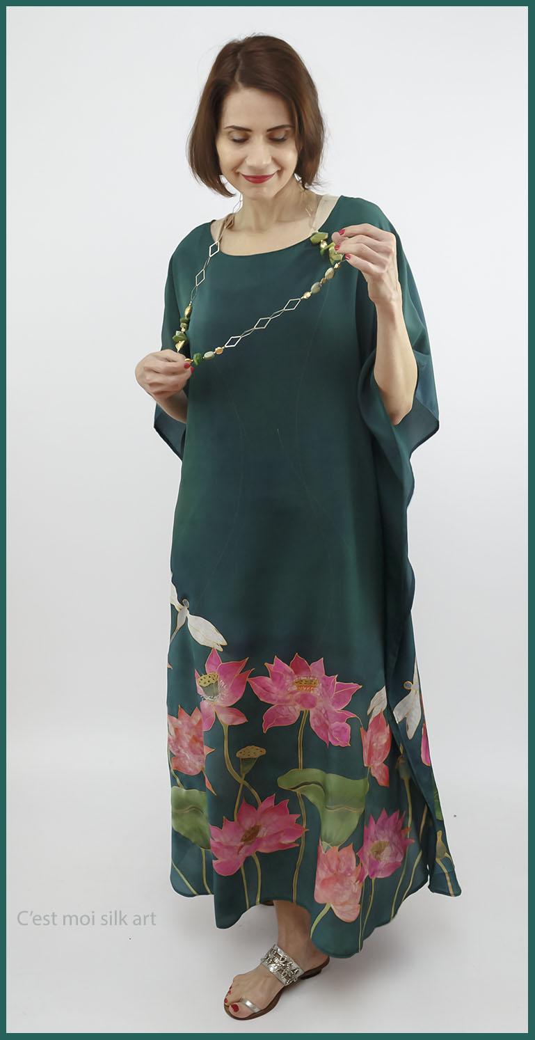 selyem crepe de chine kézzel festett ruha zöld lótuszokkal 04