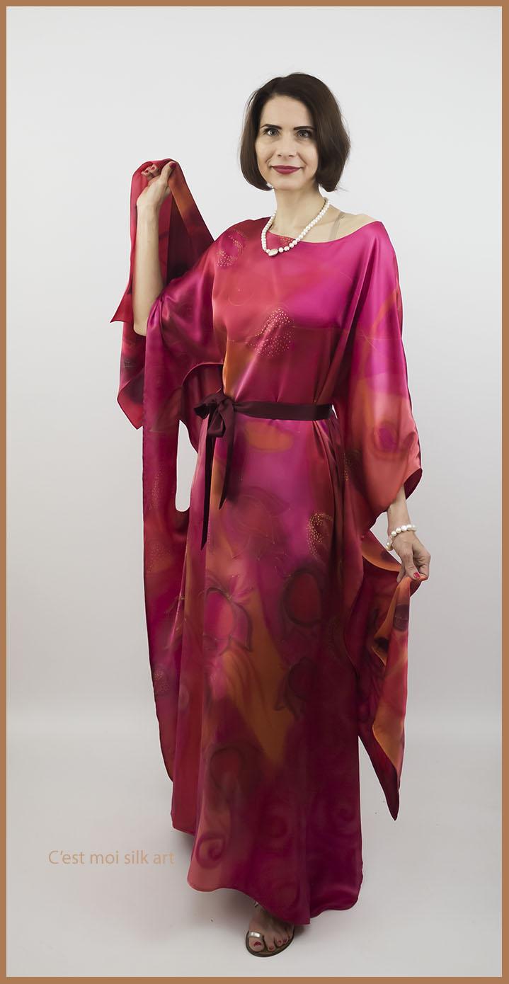 selyem szatén ruha japán újjal ciklámen lótuszok 01