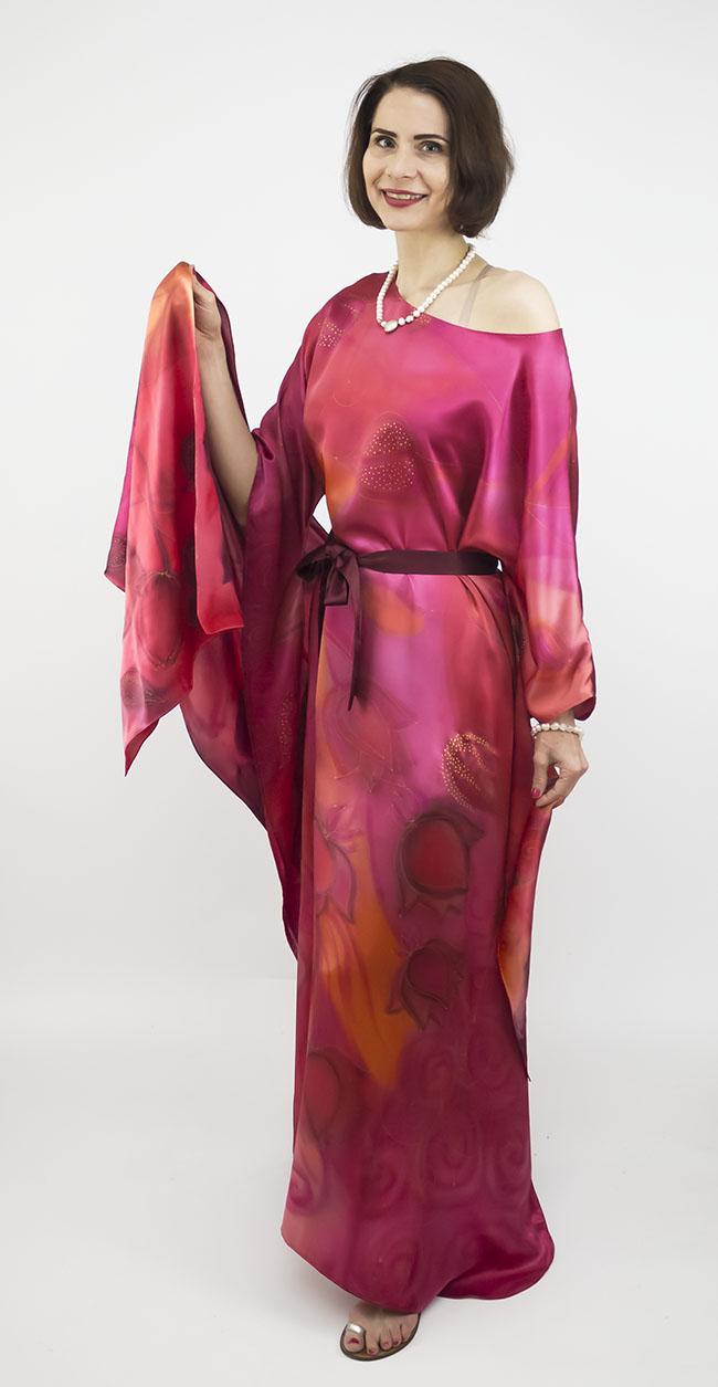 selyem szatén ruha japán újjal ciklámen lótuszok 02