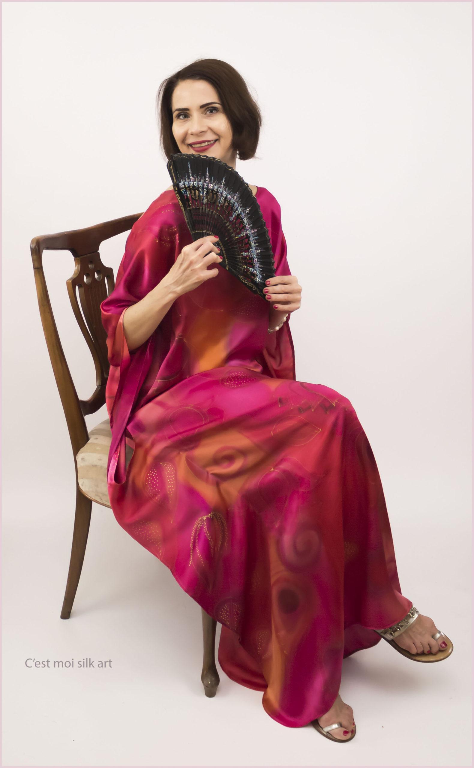 selyem szatén ruha japán újjal ciklámen lótuszok 04