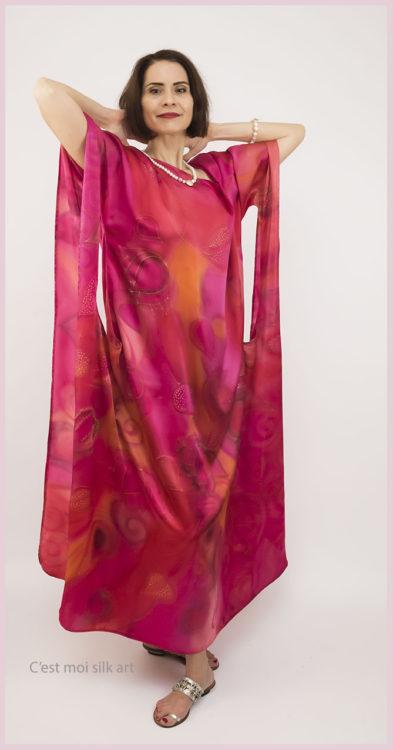 selyem szatén ruha japán újjal ciklámen lótuszok 06