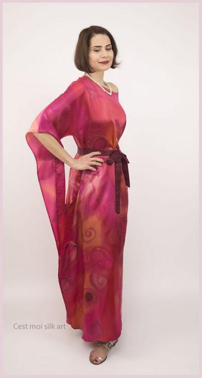selyem szatén ruha japán újjal ciklámen lótuszok 08