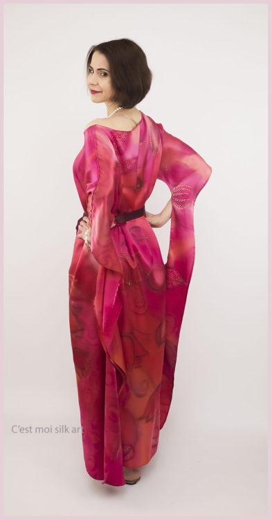 selyem szatén ruha japán újjal ciklámen lótuszok 09